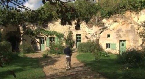 10 каменных жилищ, которые поражают воображение