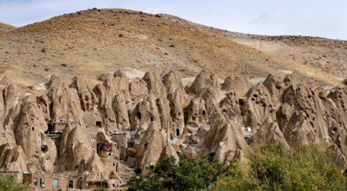 10-kamennyx-zhilishh-kotorye-porazhayut-voobrazhenie-4