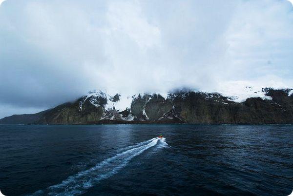 9-samyx-uedinennyx-ostrovov-3