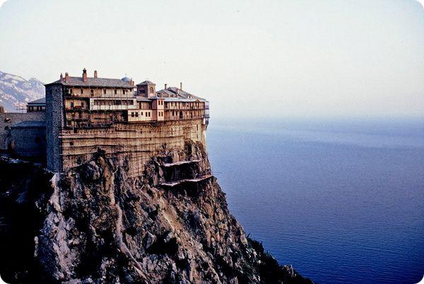 Чем знаменита гора Афон