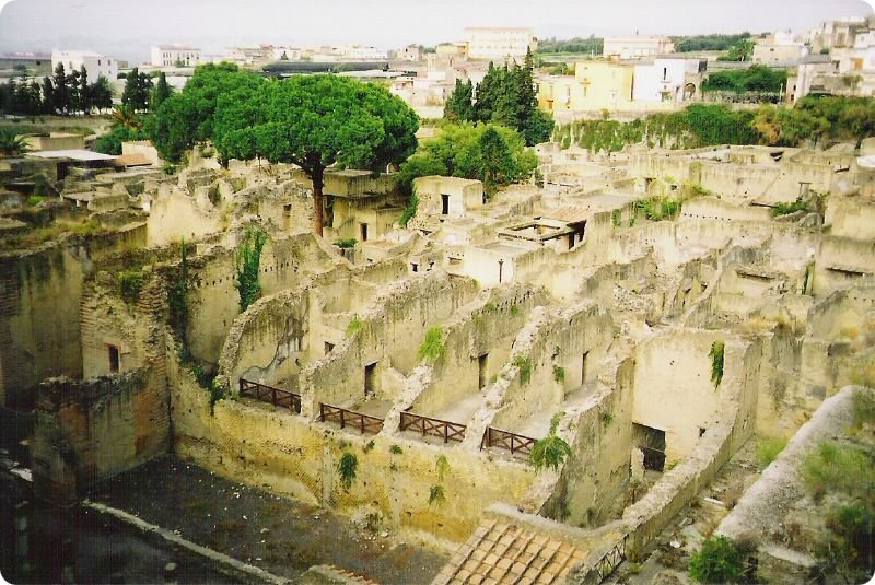 Погребенный город Геркуланум