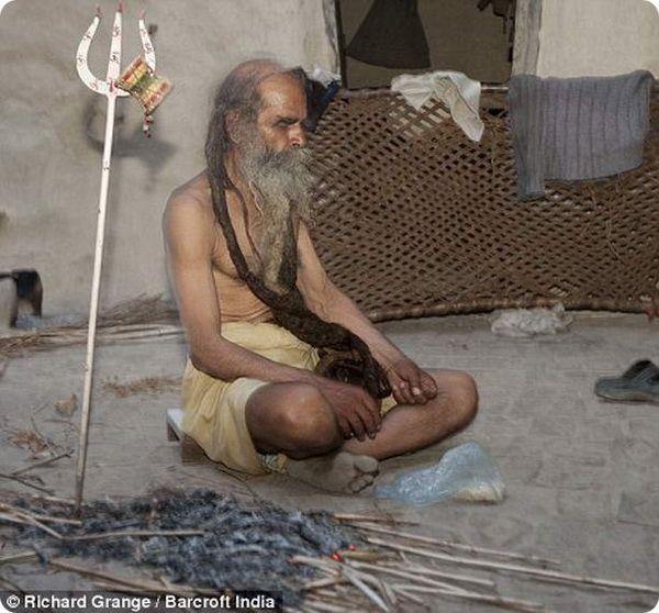 Индус не моется уже 37 лет