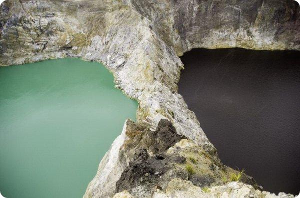 Разноцветные озера Кели Муту