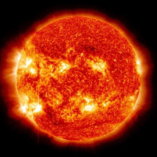Когда-нибудь Земля медленно упадет на Солнце