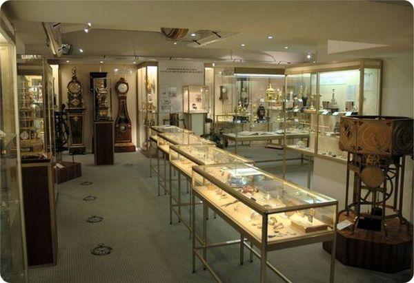 muzej-chasov-v-cyurixe-2