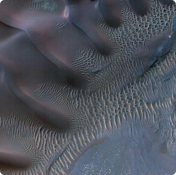 Невероятно красивые дюны на Марсе