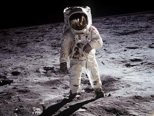 Первый полет на Луну
