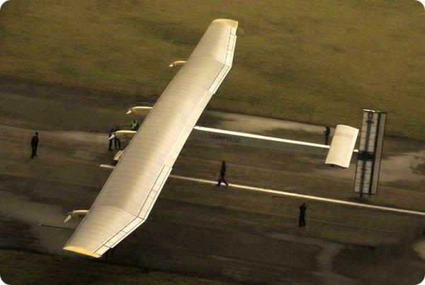 Солнечный самолет