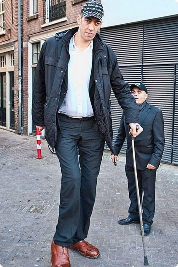 Самый длинный человек перестал расти