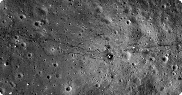 sledy-lyudej-na-lune-1