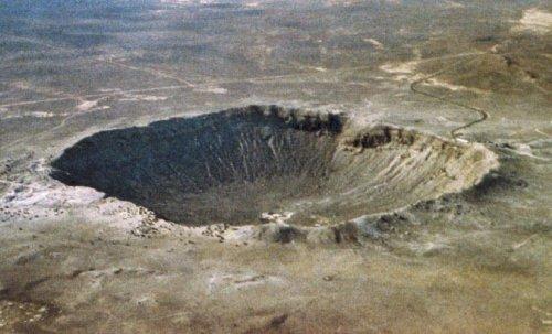 top-10-samye-moshhnye-padeniya-meteoritov-v-istorii-10