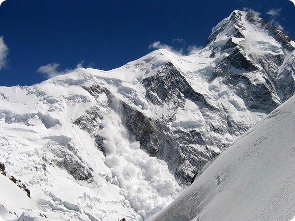 В Гималаях есть аномальная зона роста ледников
