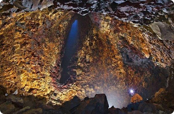 Ученые впервые спустились в вулкан