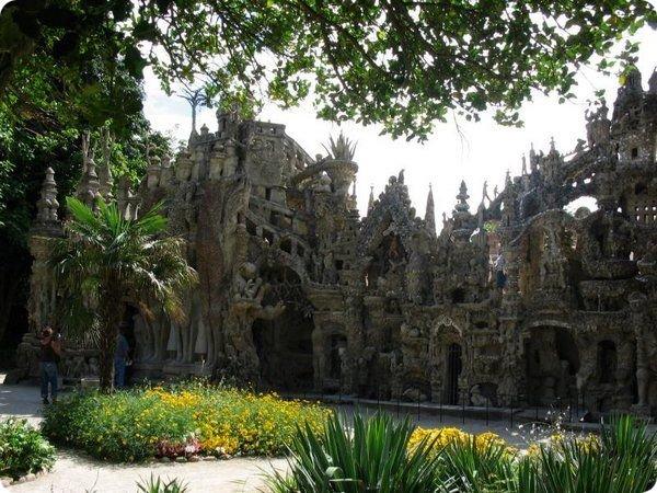 Замок, построенный одним человеком за 33 года