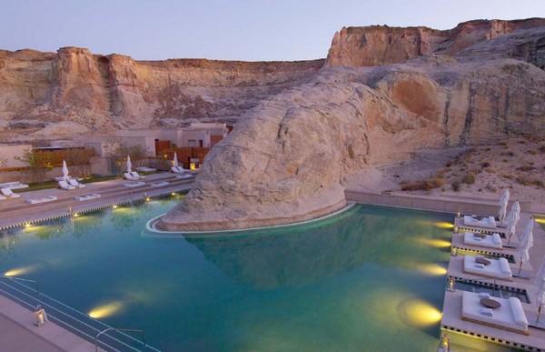 10 самых необычных сооружений, построенных в пустыне