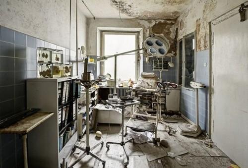 mrachnyj-zabroshennyj-dom-nemeckogo-doktora-18