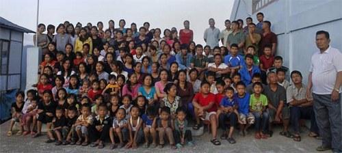 Самая большая семья в мире: 167 человек