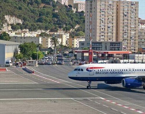 6 самых экстремальных аэропортов мира