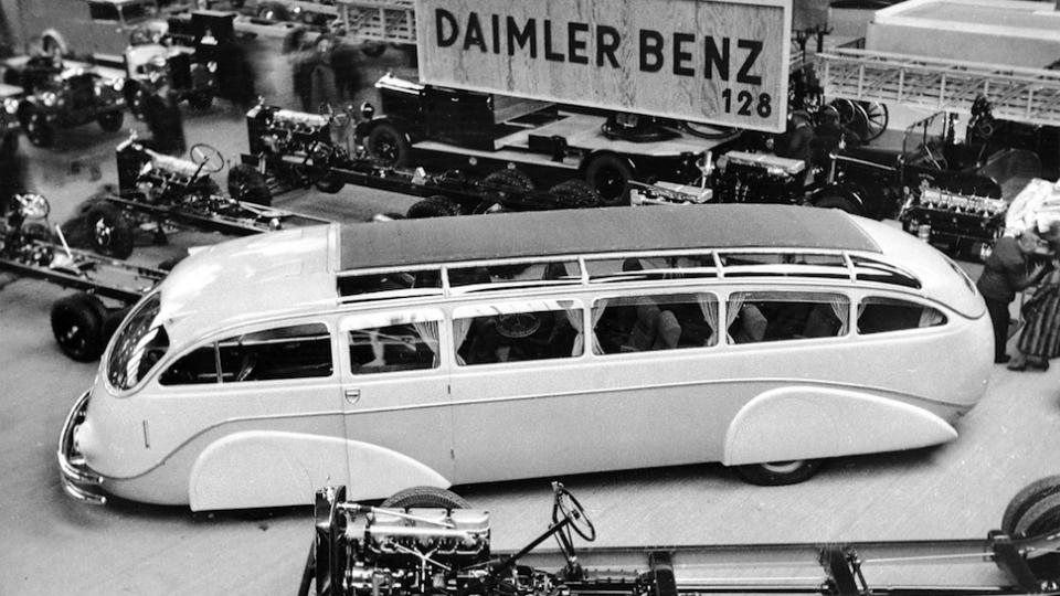 avtobusy-budushhego-glazami-dizajnerov-proshlogo-3