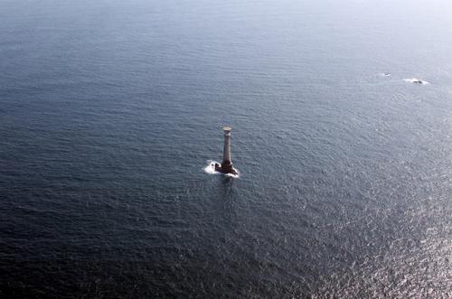 Самый маленький и самый опасный остров в мире – это Бишоп-Рок