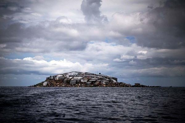 mgingo-samyj-gustonaselennyj-ostrov-v-mire-2