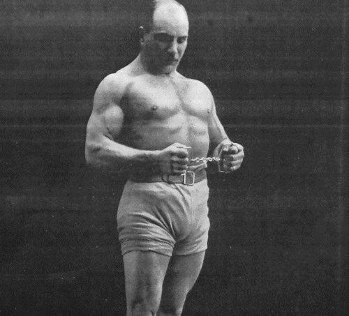 Что умели цирковые силачи в начале 20 века