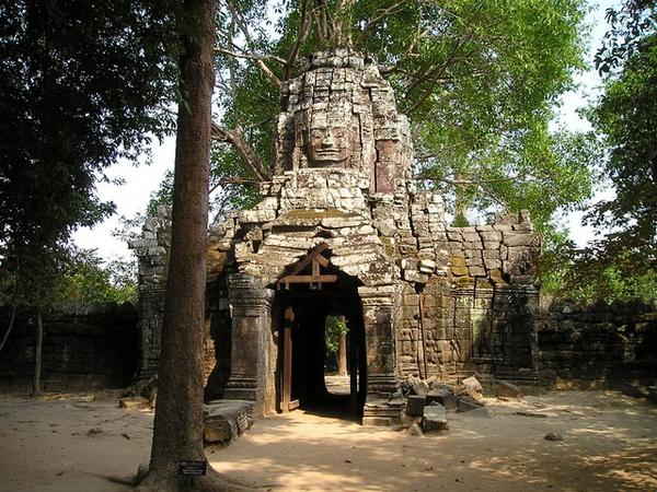 Где находится храм Ангкор Ват