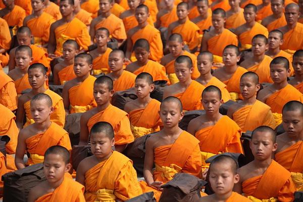 Тибетские йоги умеют нагревать тело как печку