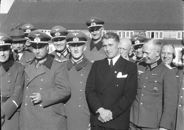 Вернер фон Браун среди генералов вермахта