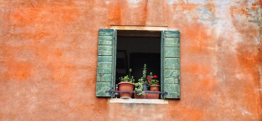 ставни на окнах в Венеции